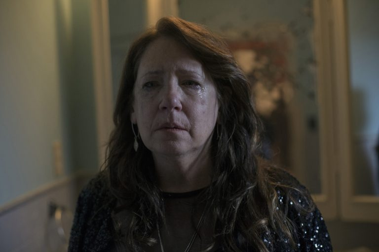 """""""The Handmaid's Tale Star Ann Dowd on Finding Success Later in Life: """"Don't Ever Give Up"""" (Parade)"""